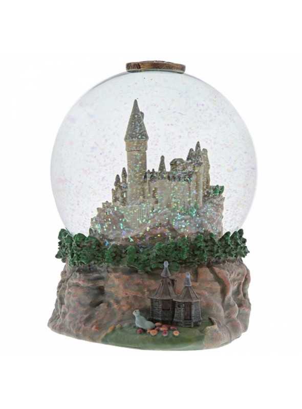 Hogwarts Castle Waterball with Hagrid's Hut - Harry Potter